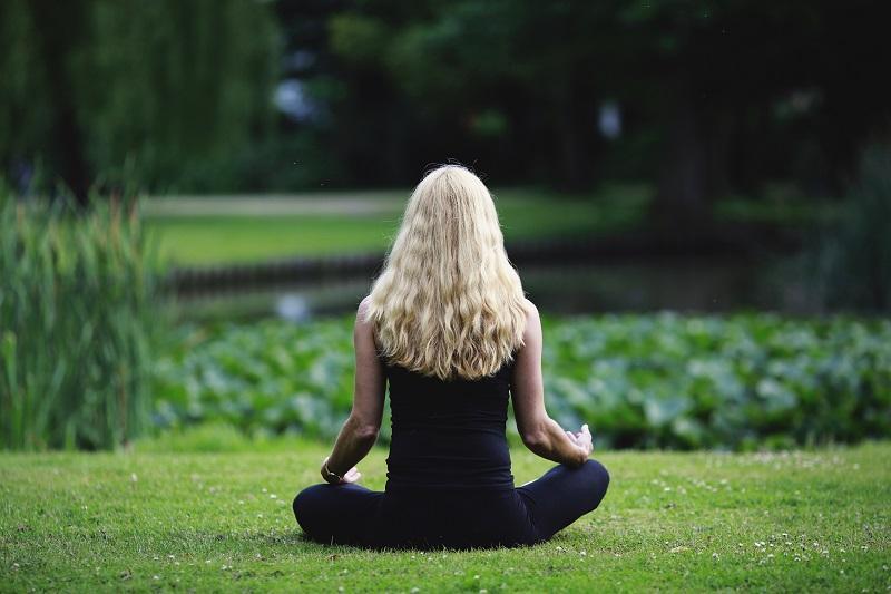 學習靜觀有助我們覺察自己的思維。(圖片來源 https://pixabay.com/)