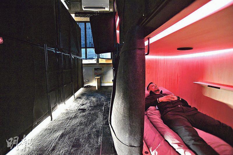 適合小休——SLEEEP的睡眠膠囊可供租用45分鐘、1小時、2小時或4小時,亦有月租計劃,適合不同程度的小休需求。(楊柏賢攝)