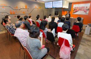 營養師通過不同媒體、公開活動等形式推廣營養健康信息。