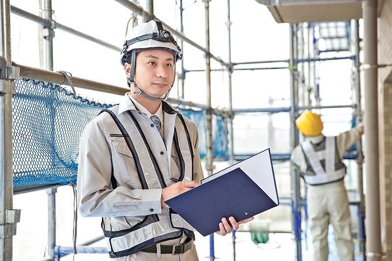 驗樓師負責為業主找出單位裝修及設計細節的隱藏問題,並要撰寫驗樓報告。