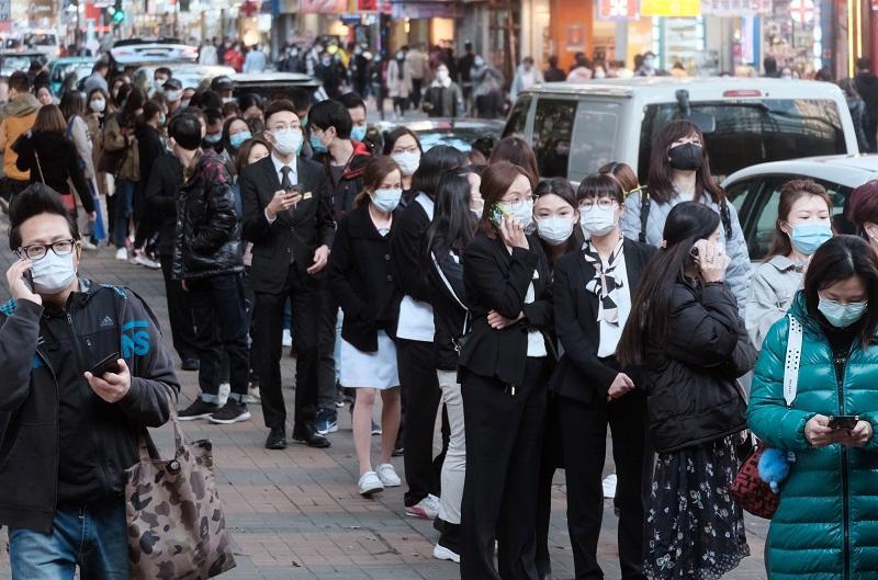 公共衛生問題涉及政治、經濟、環境、科學與科技等不同層面,以這次新型冠狀病毒疫情為例,除了政府要臨時應變嚴控疫情外,市民也要做好個人衛生,加強防疫。(資料圖片)