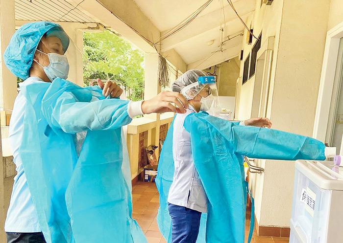 社康護士疫境工作新常態 走進社區守護病人挑戰無限