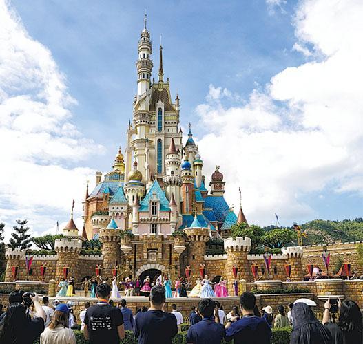 迪士尼大裁員 規模加大至3.2萬