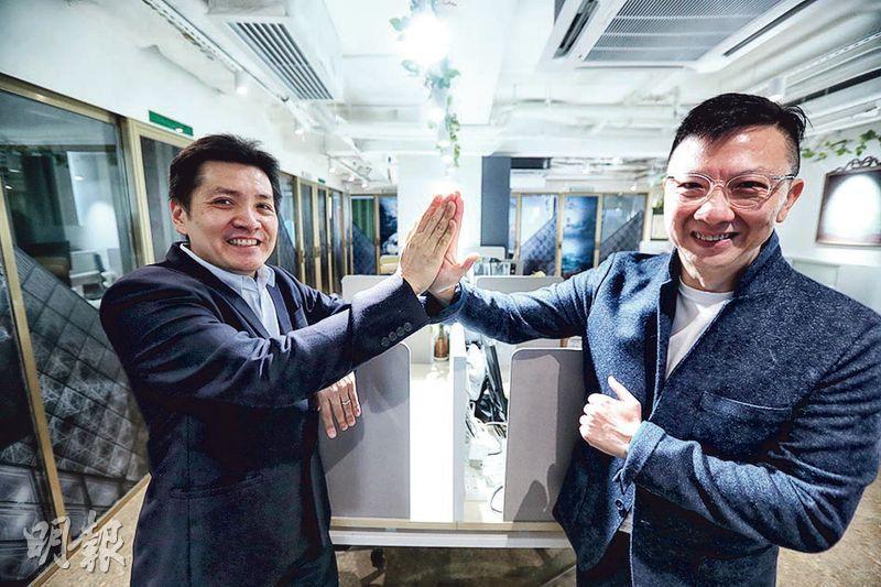 香港國際專業教練協會會長衛立佳(Nicholas,左)及外務副會長趙善智(Stanley,右)均認為不論是否被裁,打工仔都應該不時自我反思未來方向。(李紹昌攝)