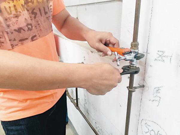 資助進修再轉行 投身機電成技工