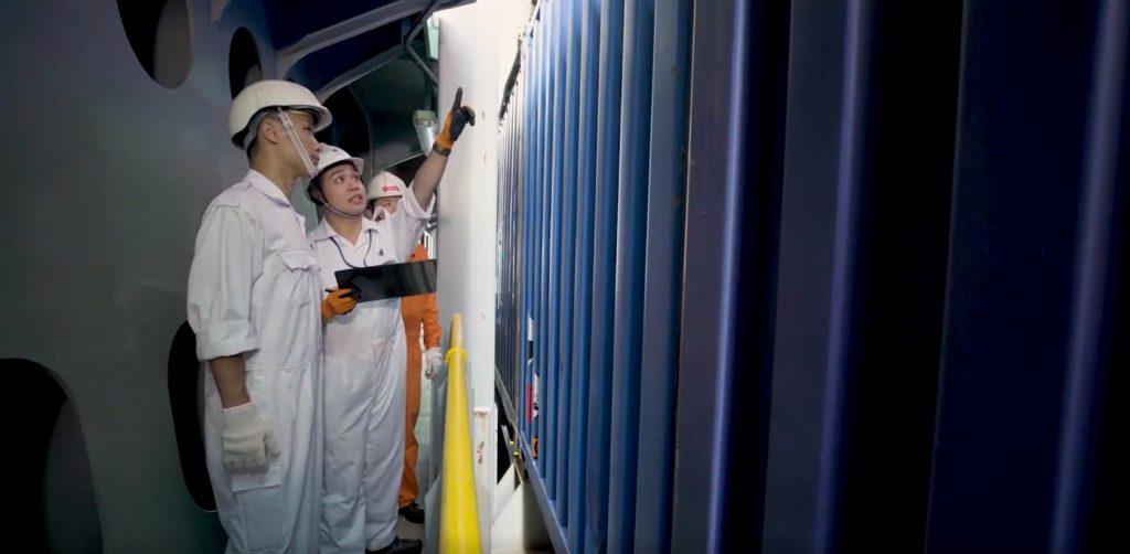 海事主任屬核心專業職系,負責監控和規管港口、船舶事務、本地船隻、公眾貨物裝卸區和客運碼頭,以及協調區內搜救行動等專業層面的工作。