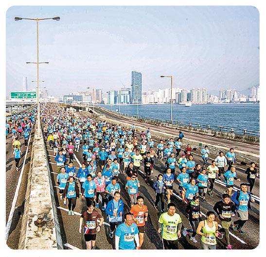 不少新手選擇渣馬為入門賽事,大多由10K開始。(相片由Standard Chartered Hong Kong Marathon提供)