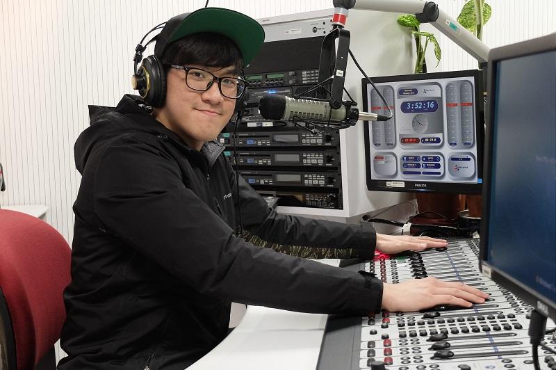 電台製作助理 Emmuel