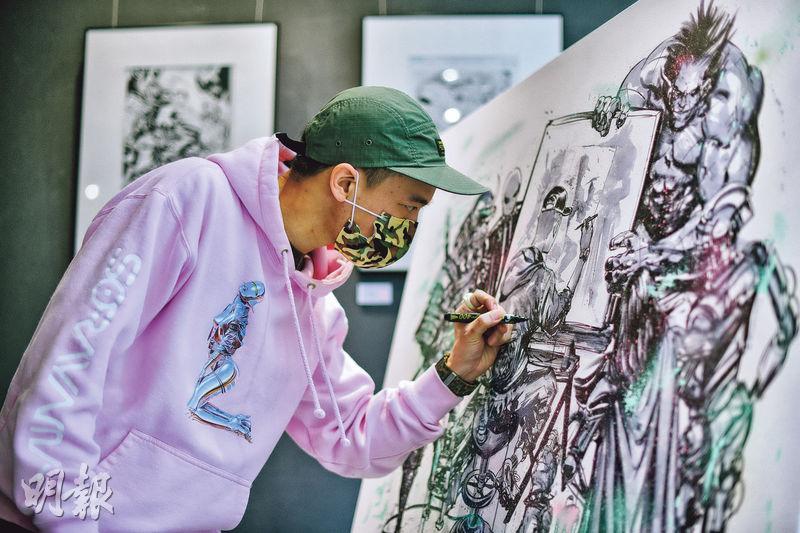 超級英雄畫家——漫畫藝術家Pat Lee繪畫過不少超級英雄漫畫,如蝙蝠俠、蜘蛛俠、變種特攻等。(黃志東攝)