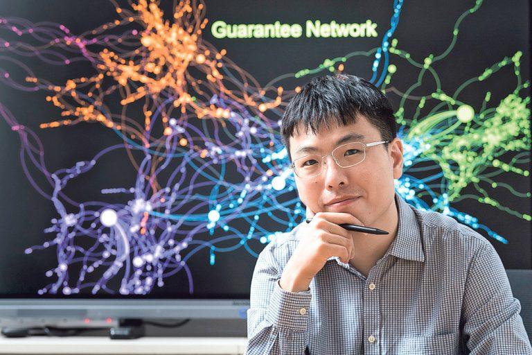 張清鵬博士和其研究團隊透過數據科學對疫情作出精細的研判。