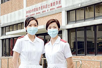 張美茵校長(右)及顧問護師郭慧茵(左)