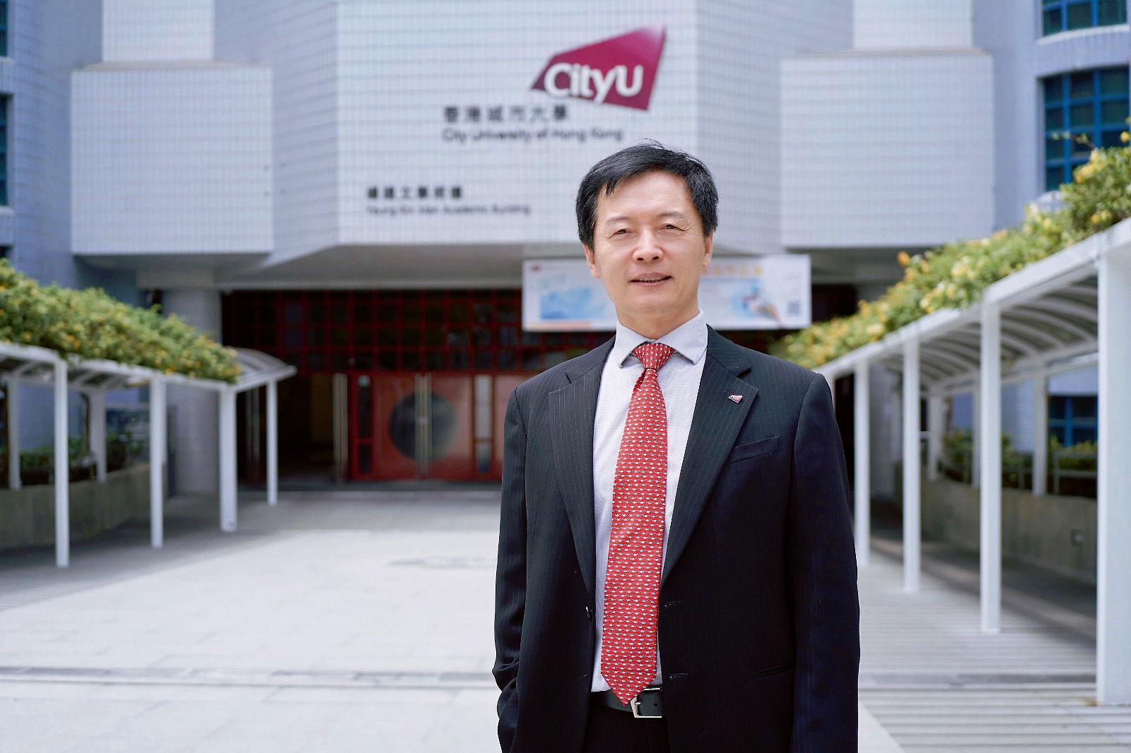 城大數據科學學院院長秦泗釗教授表示,現時市場最渴求的是兼備數據科學基礎和一、兩項其他領域專長的複合型人才,學院會針對市場所需培育新一代專才。