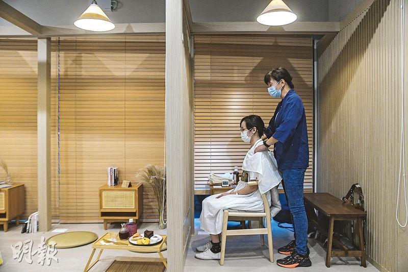 視障人士觸覺聽覺敏銳 配合適當訓練及輔助儀器 能勝任不同崗位
