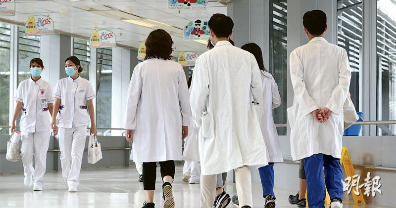 醫管局大會昨日通過兩大人力資源措施,包括讓員工的退休年齡由60歲延長至65歲,主要對象為醫生、護士、專職醫療及其他支援人員;另新增副顧問護師職位,提供臨牀管理工作以外的晉升選擇。圖為威爾斯親王醫院。(曾憲宗攝)